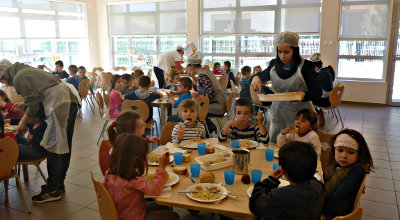 cantine maternelle service